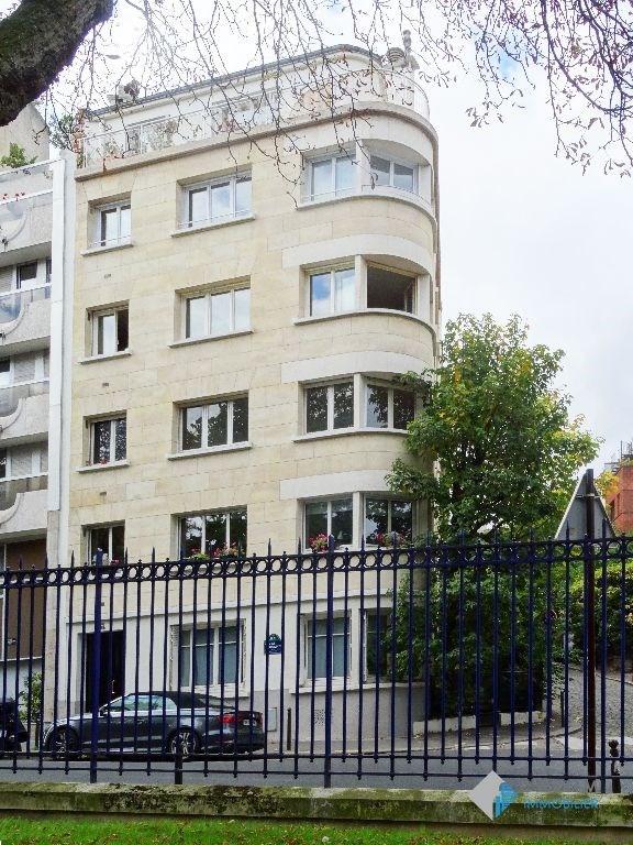 Rental apartment Paris 14ème 1864€ CC - Picture 2