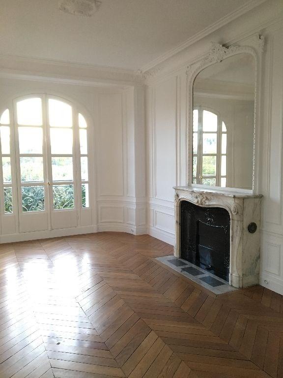 Rental apartment Paris 4ème 4472€ CC - Picture 2