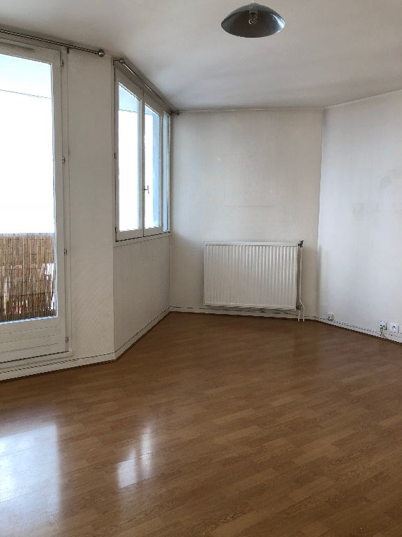 Location appartement Poissy 842€ CC - Photo 1
