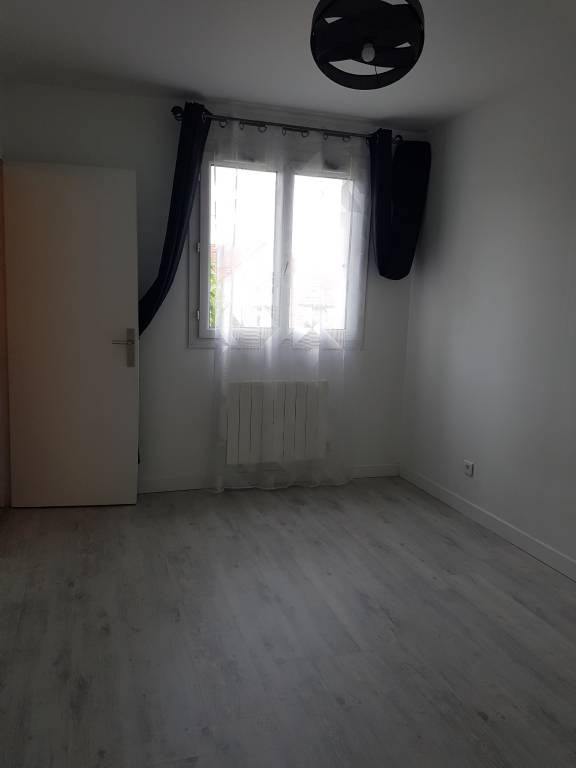 Location appartement Cheptainville 700€ CC - Photo 2