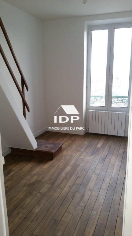 Rental apartment Villabe 760€ CC - Picture 3