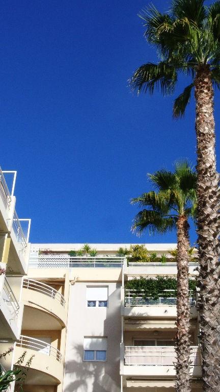 Vendita appartamento Saint laurent du var 179000€ - Fotografia 1