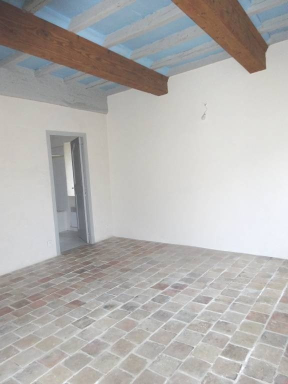 Rental apartment Barbentane 650€ CC - Picture 3
