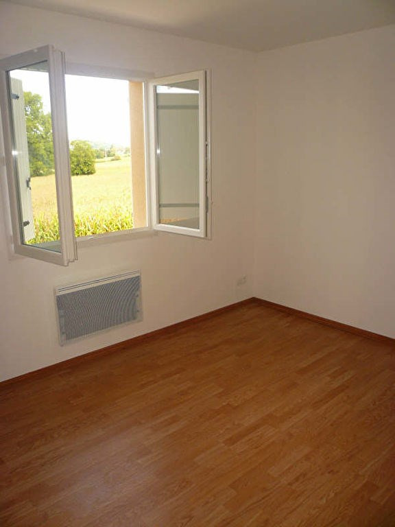 Rental house / villa Bourgoin jallieu 870€ CC - Picture 4