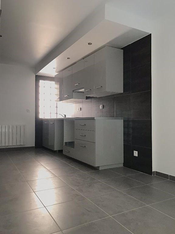 Alquiler  apartamento La ville du bois 760€ CC - Fotografía 1