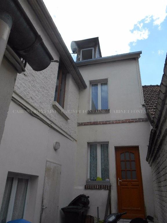 Investment property house / villa Marseille en beauvaisis 157000€ - Picture 1