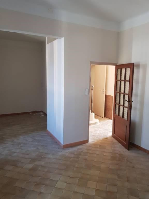 Rental house / villa Avignon 950€ CC - Picture 3