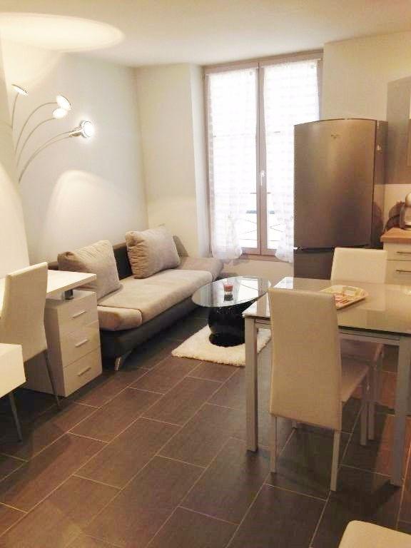 Location appartement Saint germain en laye 905€ CC - Photo 2