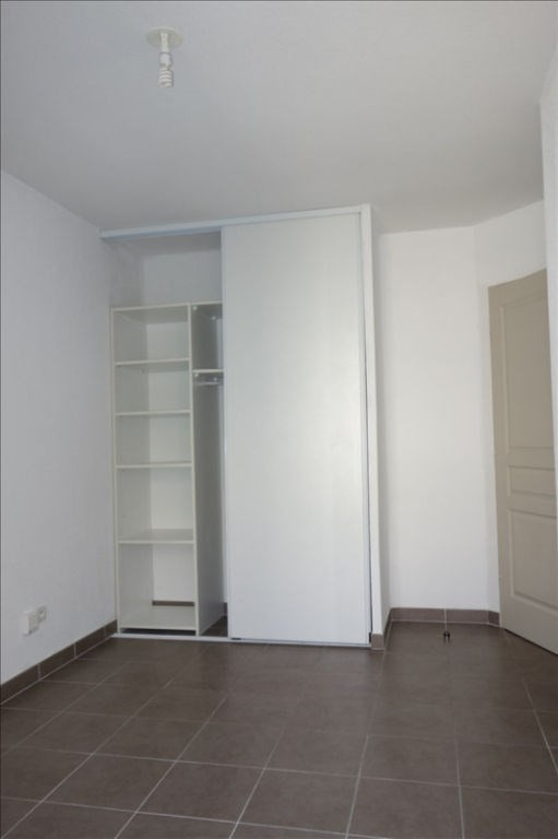 Location appartement Seyne sur mer 716€ CC - Photo 6