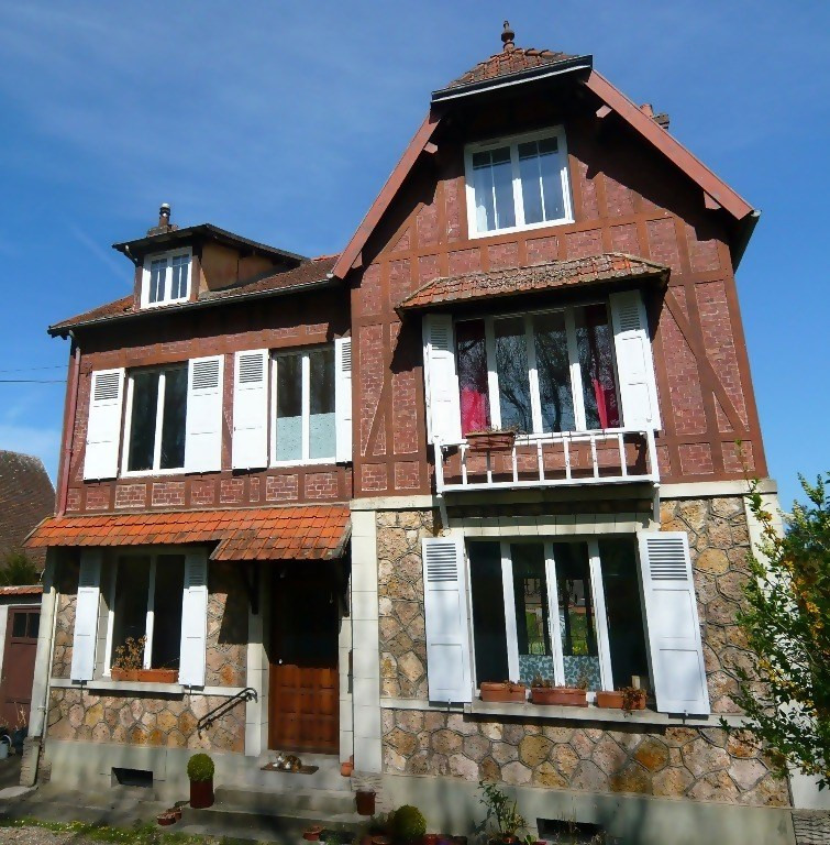 Sale house / villa Les andelys 285 000€ - Picture 1