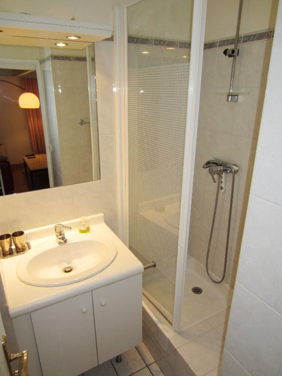 Rental apartment Boulogne billancourt 965€ CC - Picture 4