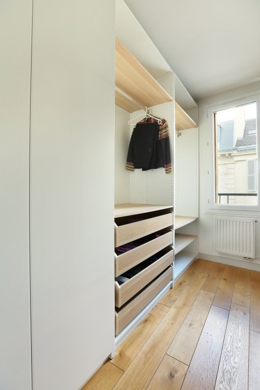 Aрендa квартирa Paris 9ème 2750€ CC - Фото 11
