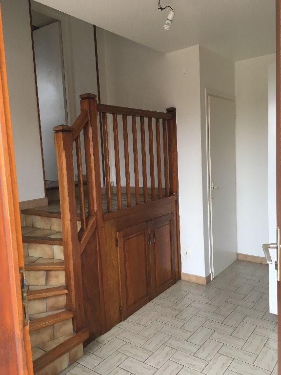 Rental house / villa Bourgoin jallieu 902€ CC - Picture 2