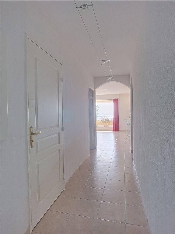 Vendita appartamento Saint laurent du var 350000€ - Fotografia 7