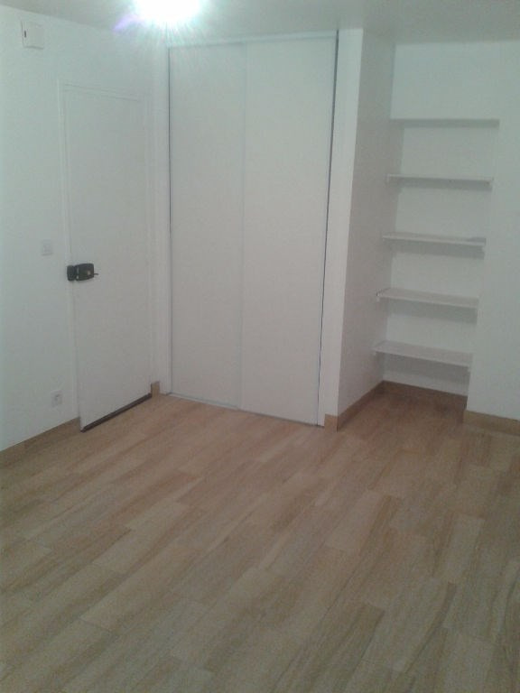 Rental apartment Le port marly 500€ CC - Picture 2