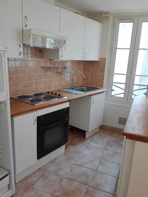 Location appartement Saint germain en laye 695€ CC - Photo 2
