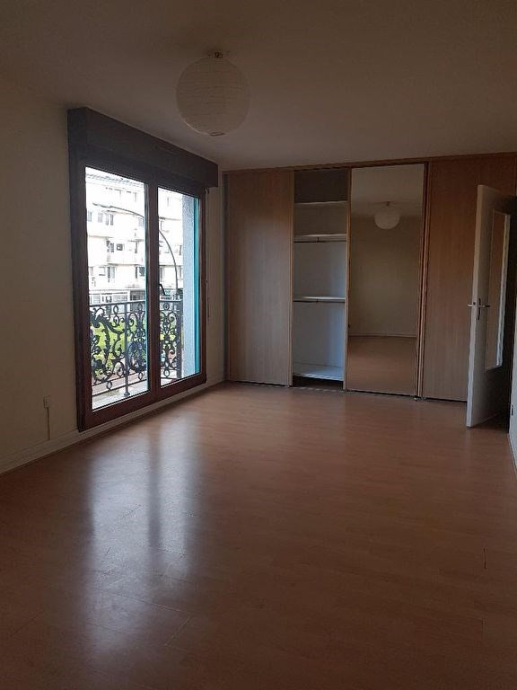 Rental apartment St germain en laye 750€ CC - Picture 1