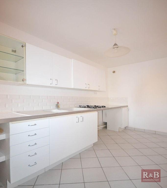 Sale apartment Plaisir 175000€ - Picture 4