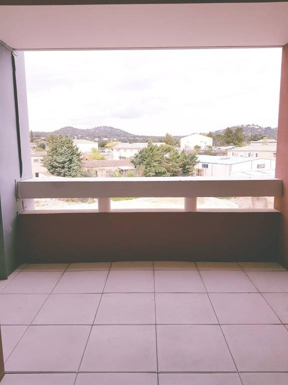 Location appartement Les angles 540€ CC - Photo 3
