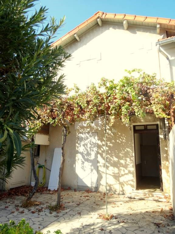 Rental house / villa Avignon 900€ CC - Picture 8