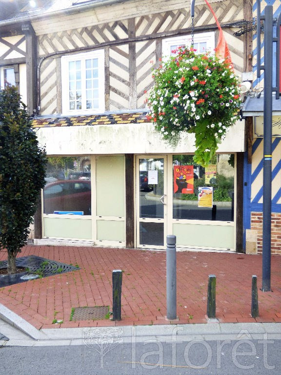 Location local commercial Beuzeville 650€ CC - Photo 1