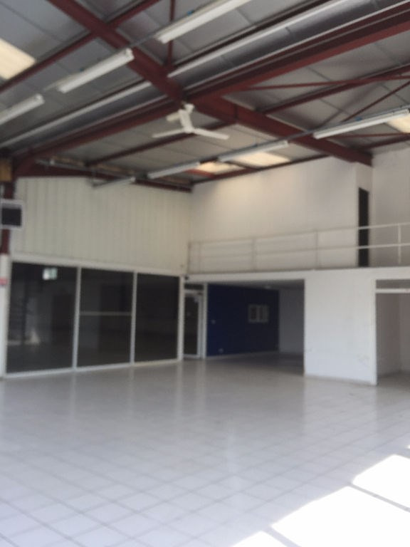 Sale empty room/storage Trilport 609000€ - Picture 2