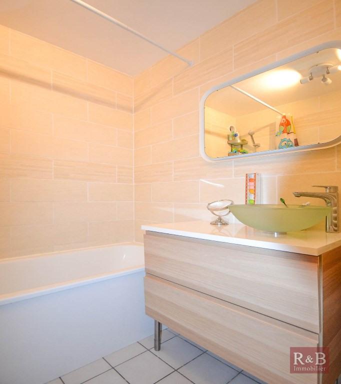Sale apartment Plaisir 210000€ - Picture 8