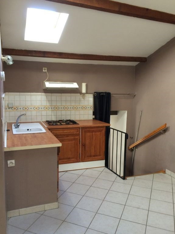Location appartement Villeneuve les avignon 470€ CC - Photo 1