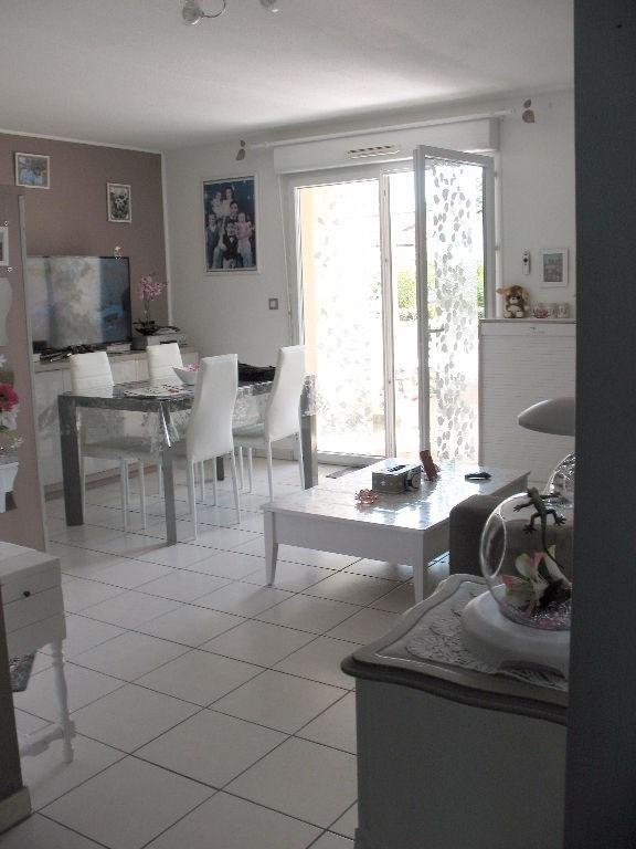 Investment property apartment Etaules 99500€ - Picture 2