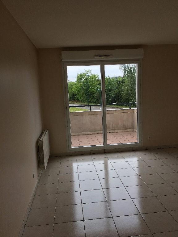 Sale apartment Vaulx milieu 109500€ - Picture 1