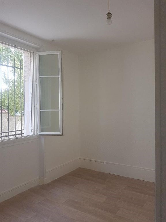 Location appartement Saint germain en laye 1110€ CC - Photo 1