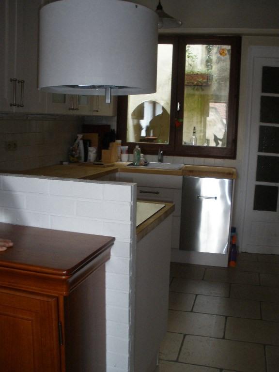 Rental house / villa Conflans sainte honorine 958€ CC - Picture 5