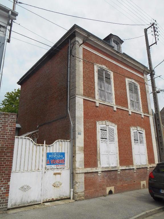 Maison de ville à Breteuil