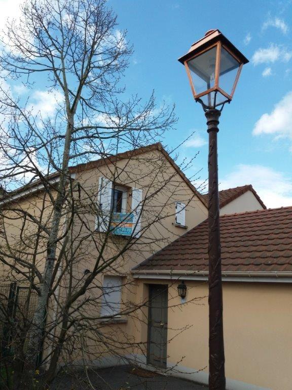 Sale house / villa Villennes sur seine 365000€ - Picture 1