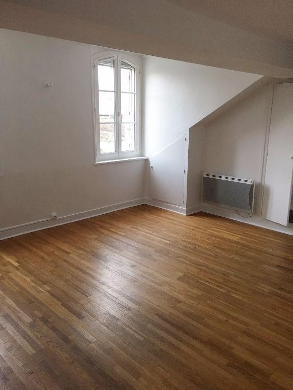 Rental apartment St germain en laye 660€ CC - Picture 2