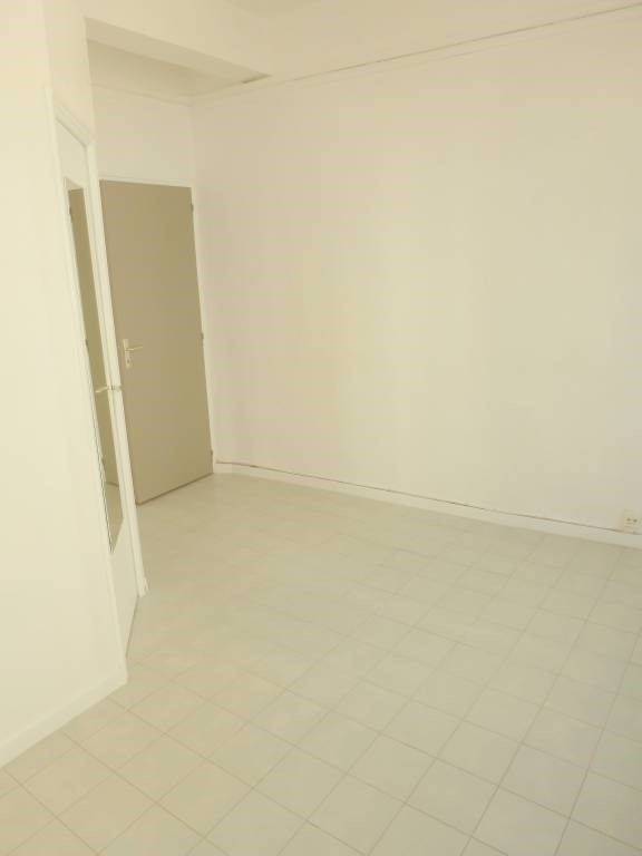 Rental apartment Avignon 492€ CC - Picture 6