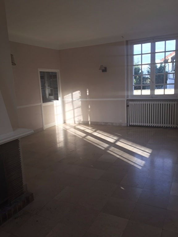 Rental house / villa Vernouillet 1 637€ CC - Picture 4