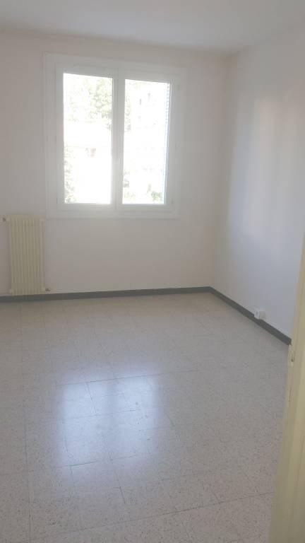 Rental apartment Avignon 740€ CC - Picture 3