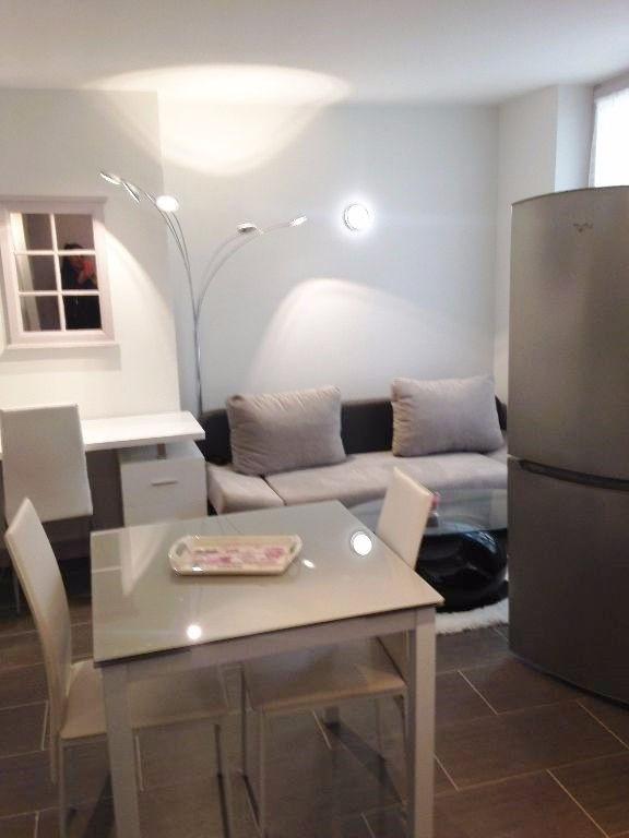 Location appartement Saint germain en laye 905€ CC - Photo 1