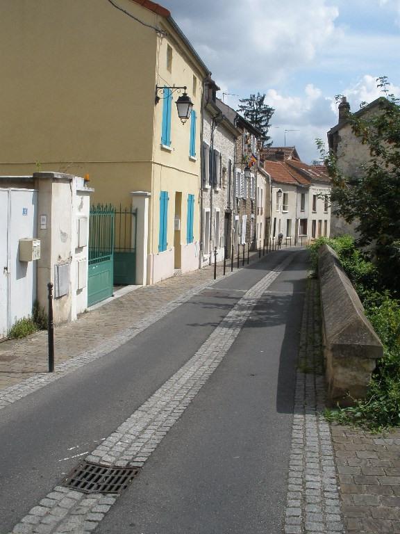 Rental house / villa Conflans sainte honorine 958€ CC - Picture 2
