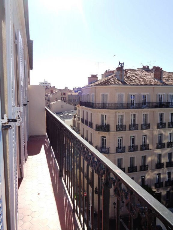 Rental apartment Toulon 700€ CC - Picture 1
