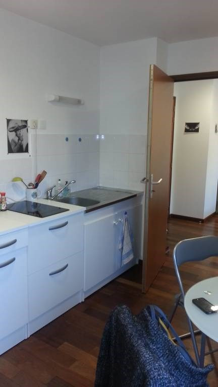 Location appartement Saint-berthevin 360€ +CH - Photo 2
