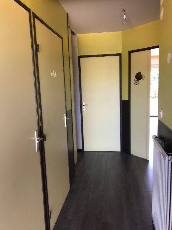 Rental apartment L isle d abeau 850€ CC - Picture 5