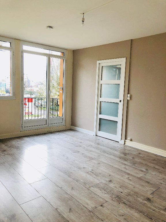 Location appartement Poissy 990€ CC - Photo 1