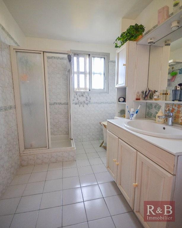 Sale apartment Les clayes sous bois 184000€ - Picture 8