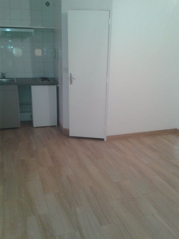 Rental apartment Le port marly 500€ CC - Picture 1