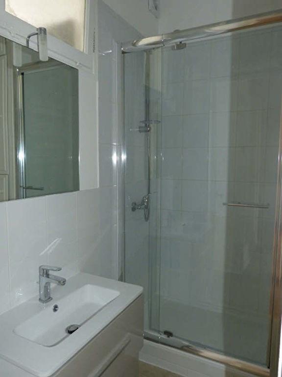 Location appartement Paris 16ème 1490€ CC - Photo 5