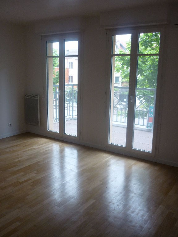 Rental apartment Saint germain en laye 1 610€ CC - Picture 2
