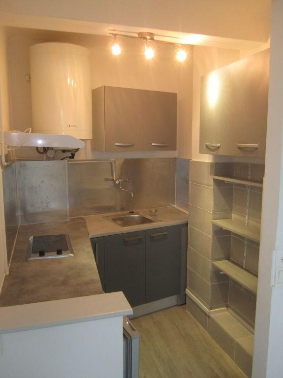 Location appartement Cagnes sur mer 495€ CC - Photo 1