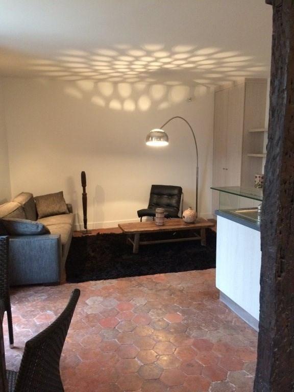Location appartement Paris 4ème 1146€ CC - Photo 1